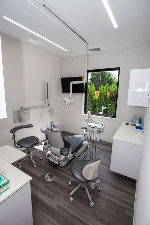 Exam Room with window - Pediatric Dentist and Orthodontics in South Plainfield, NJ